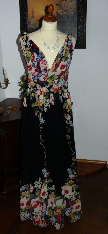 0a7d719b2fd0 společenské šaty » skladem » do 2000Kč · společenské šaty » skladem » do  4000Kč · společenské šaty » skladem » černá